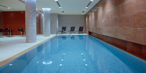 radisson-blu-berlin-germany-hessen-seminar-meeting-piscine