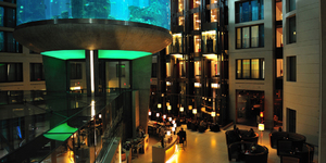 radissonbluhotelberlin-germany-seminar-looby-aquarium-a