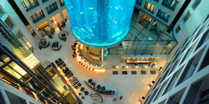 radissonbluhotelberlin-germany-seminar-looby-aquarium